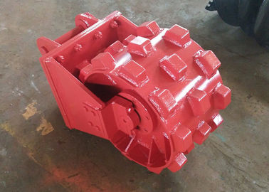 China Replaceable Excavator Compaction Wheel  Pick Up Joint Step Design Step Design factory